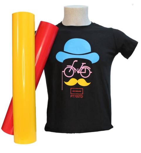 T-shirt nera personalizzata con Flex PT70 colori speciali (PT70SPC)
